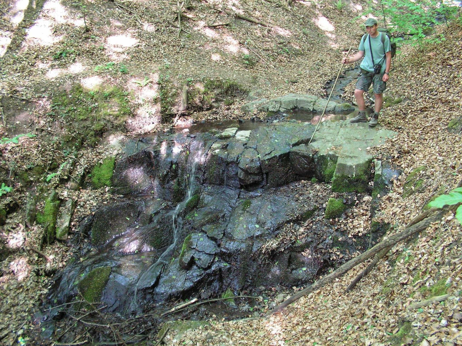 302 Vágáshuta felé a Hosszú-patak köves medrében