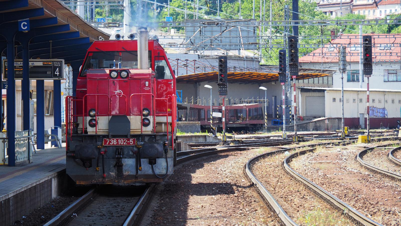 SK-ZSSK 92 56 1736 102-5, SzG3