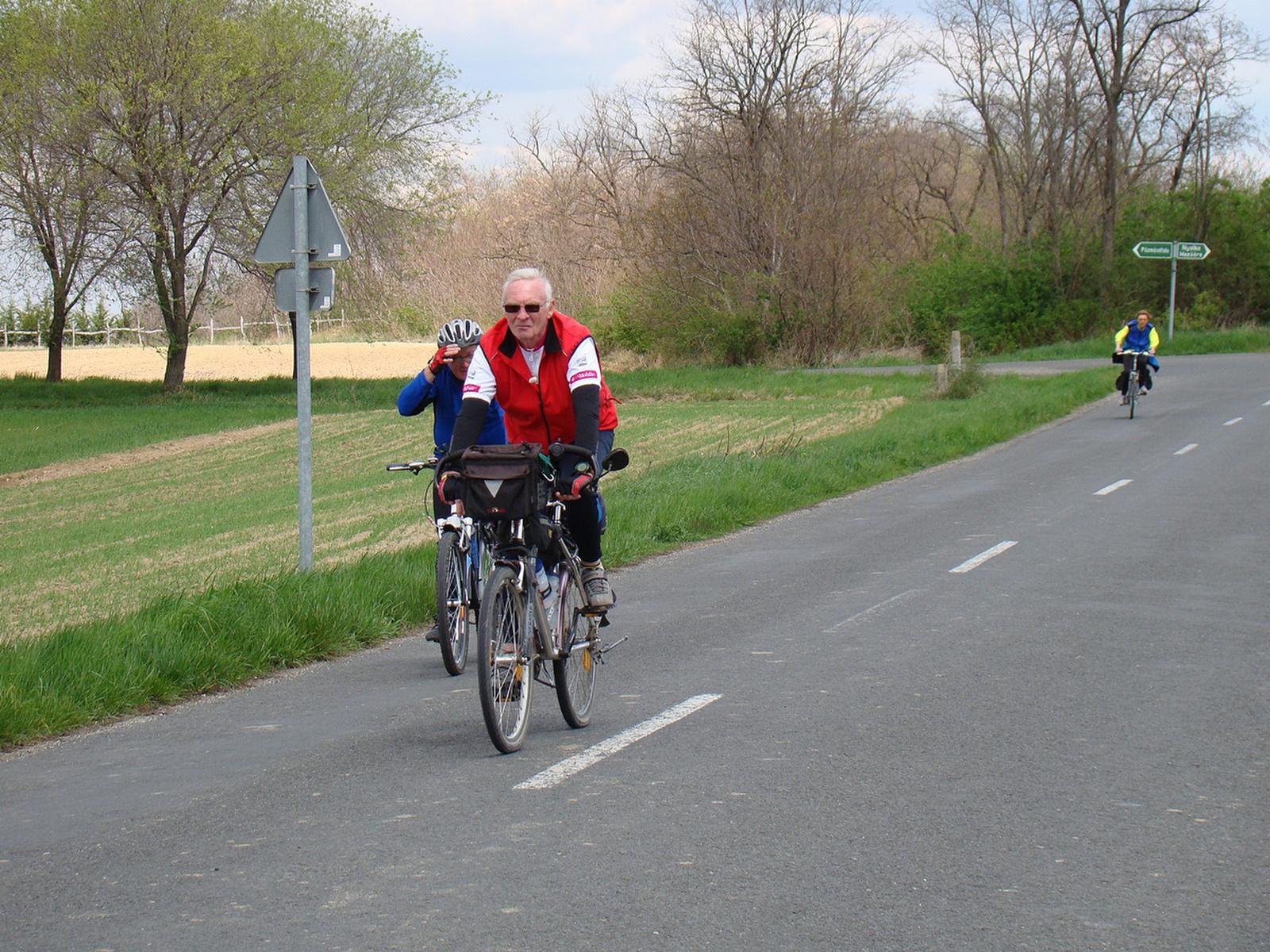 2012 április Győr-Pannonhalma-Győr bringatúra (69)