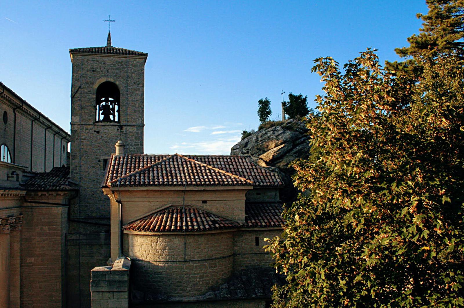 Sziklához épült templom (Herminek :-))
