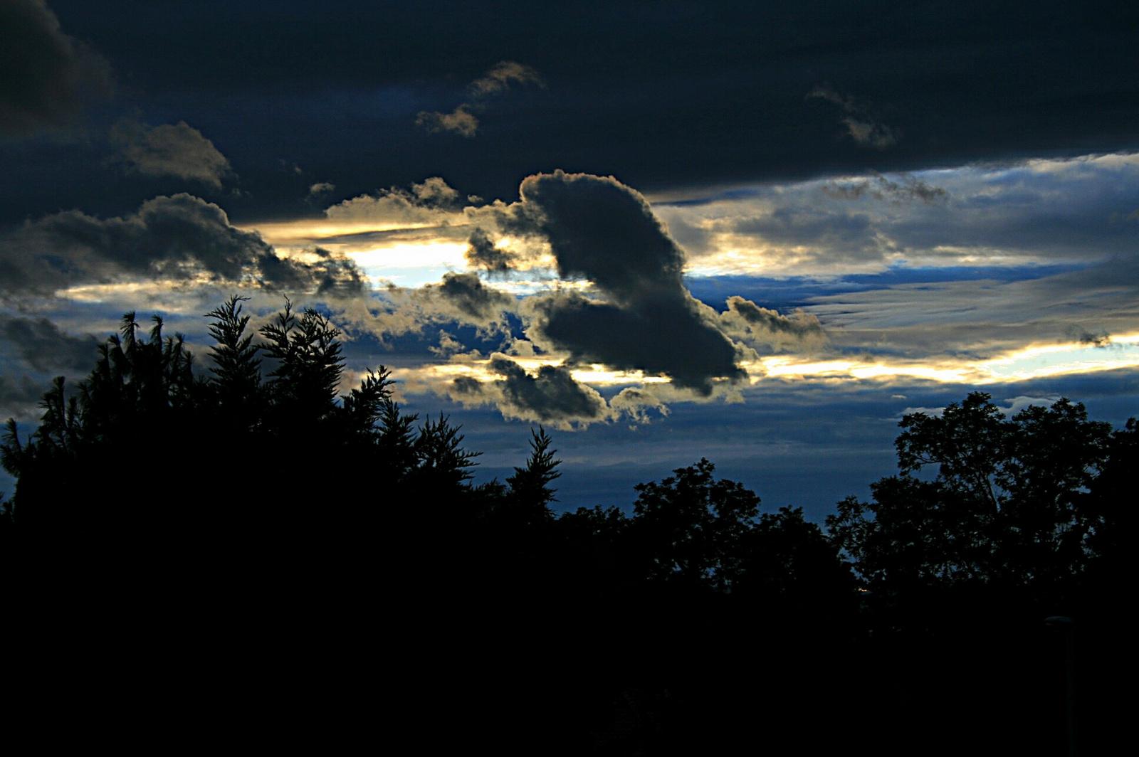 Fekete felhők