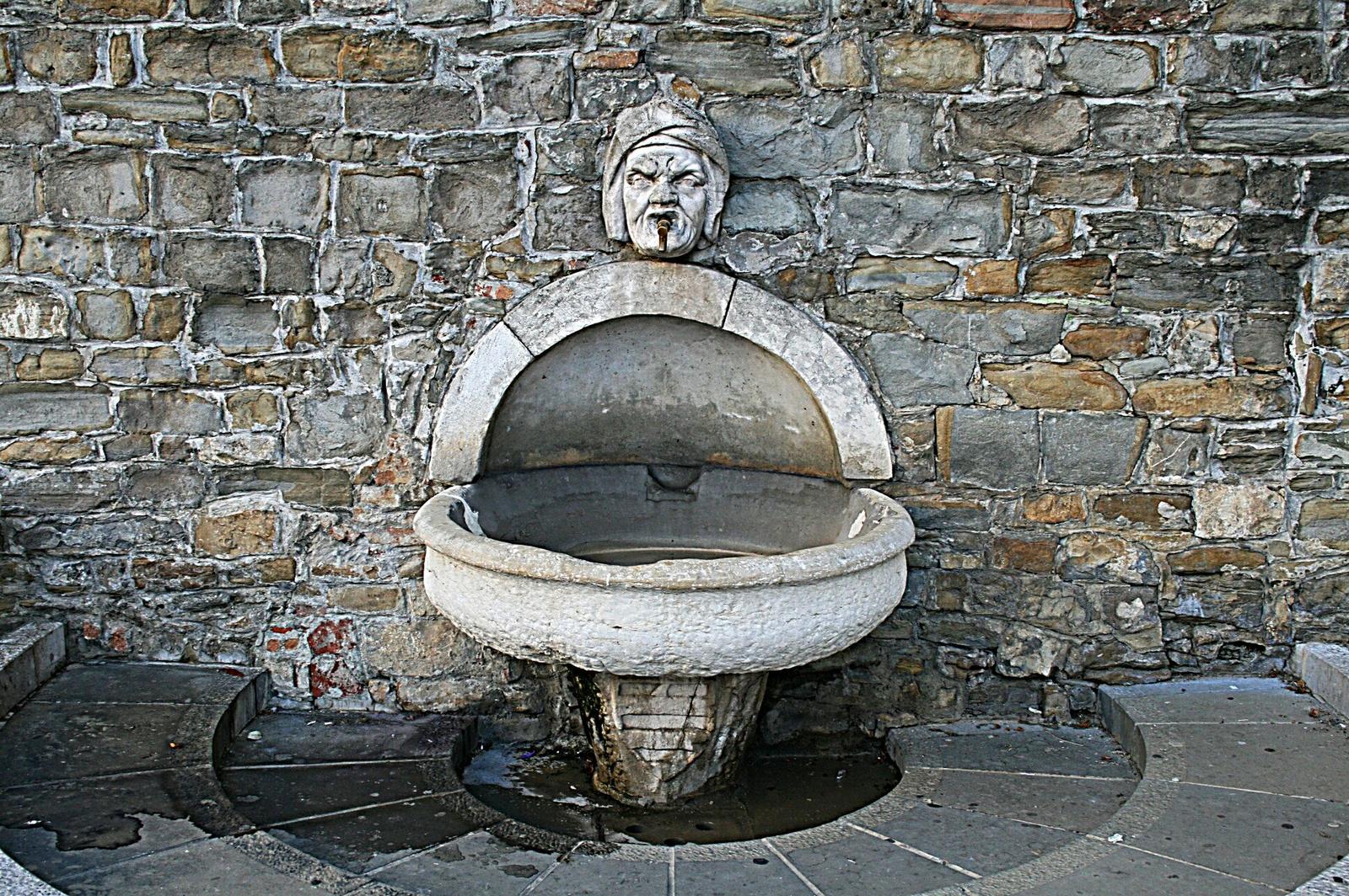 Koperi vízköpő