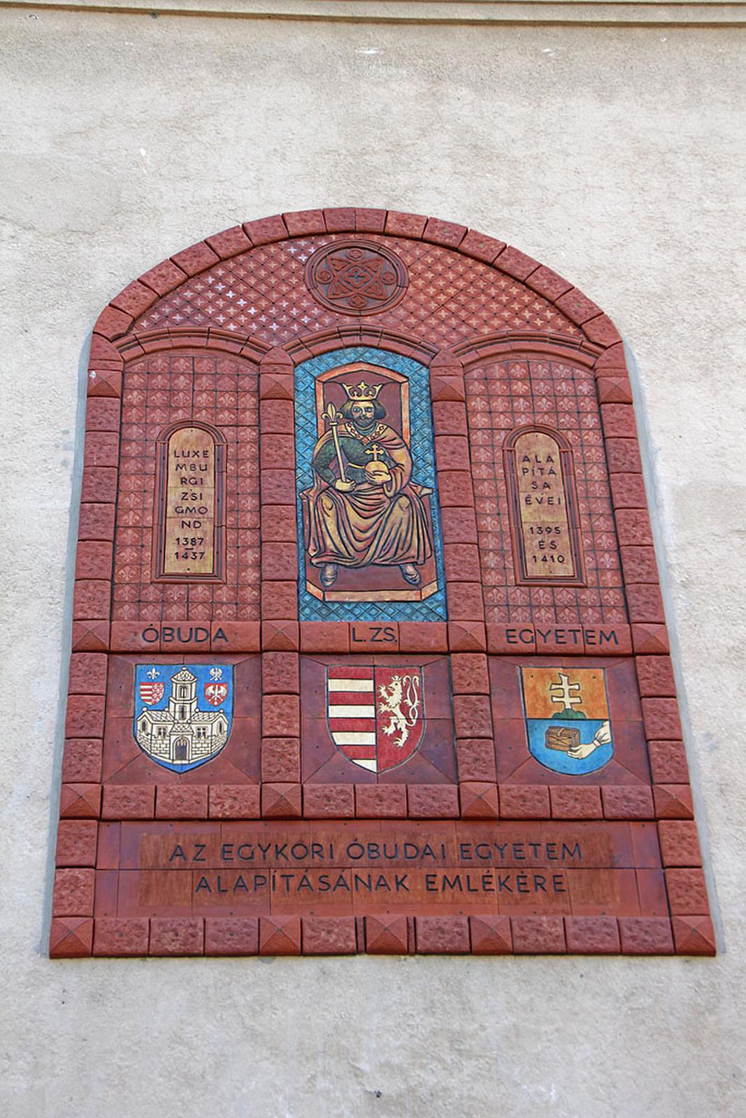 Óbudai Egyetem-emléktábla - III Szentlélek tér