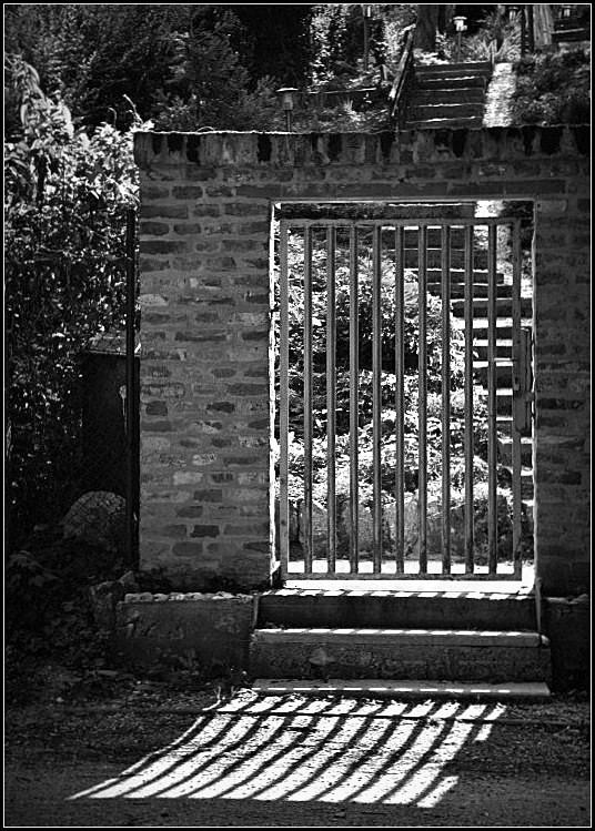 Kapu és lépcső