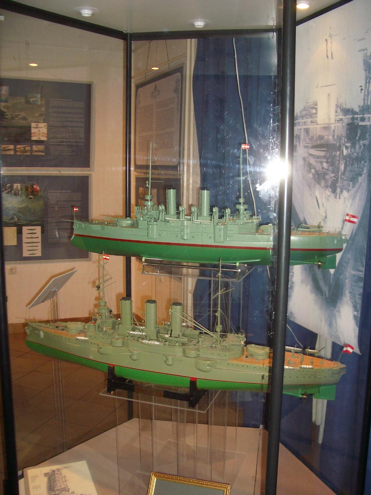 Az Árpád és az Erzherzog Ferdinand Max csatahajók