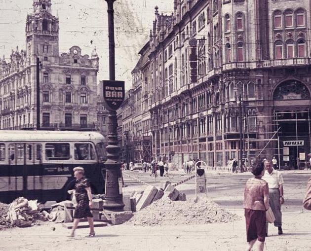 FerenciekTere-1960asEvekEleje-fortepan.hu-44101