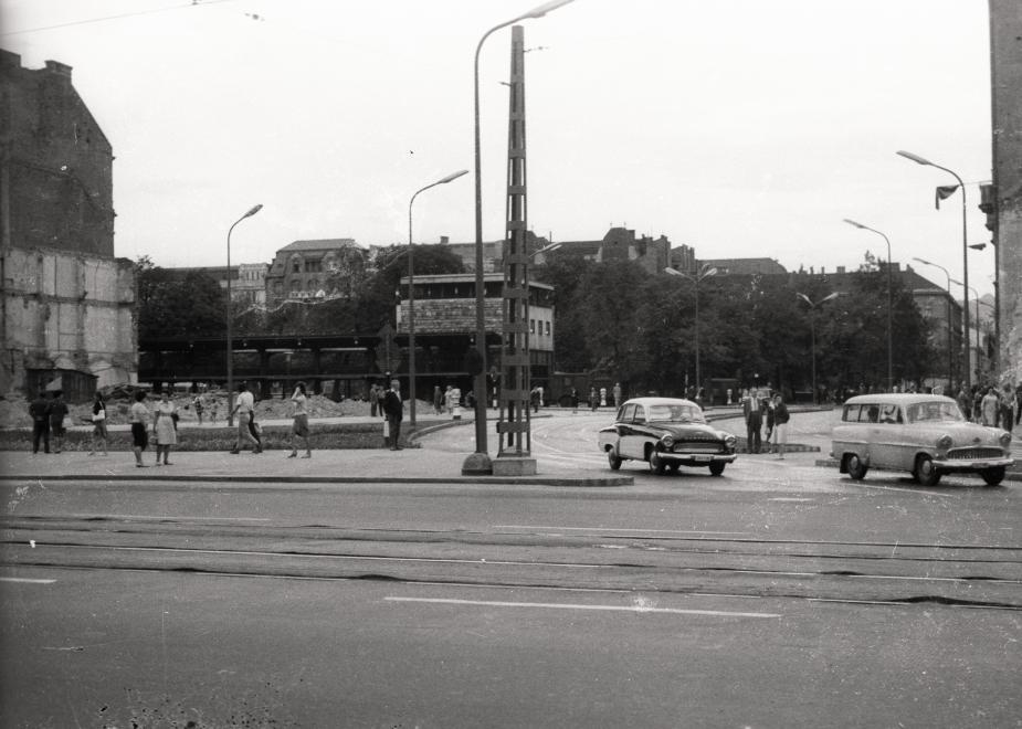 ErzsebetTer-1962-fortepan.hu-94489
