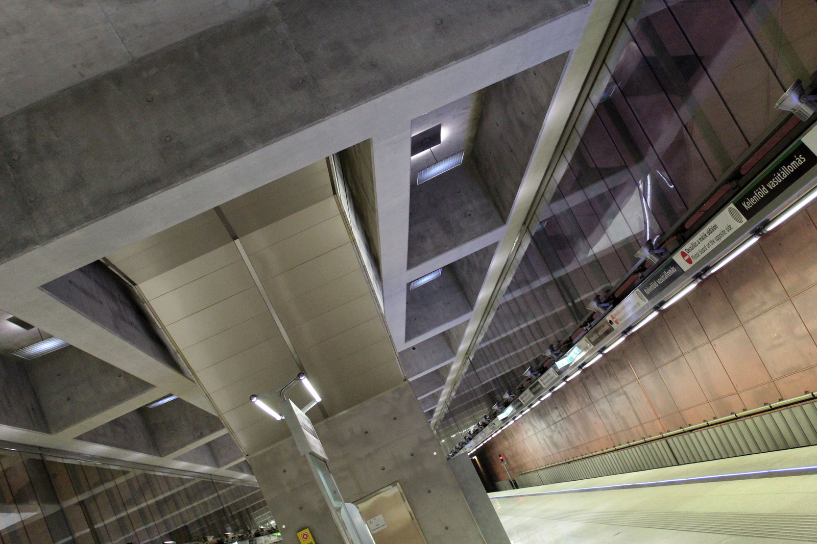 Metro4-KelenfoldVasutallomas-20150817-06