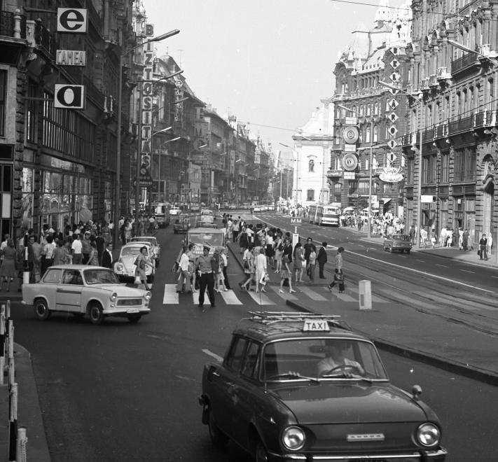 FerenciekTere-1972-fortepan.hu-65938