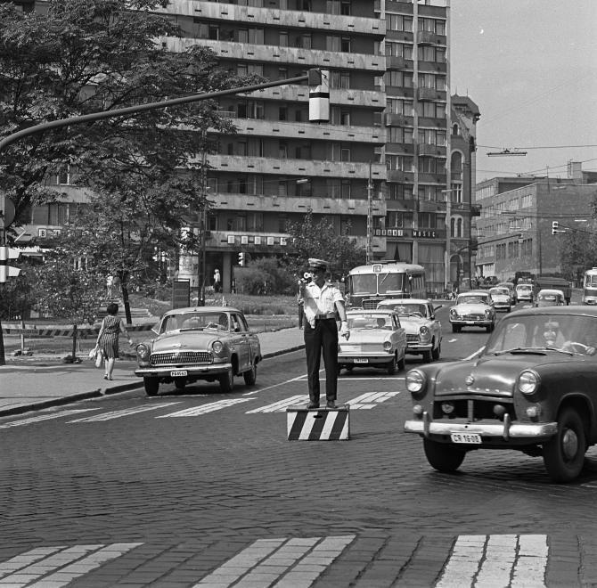 KrisztinaTer-1968-fortepan.hu-65701