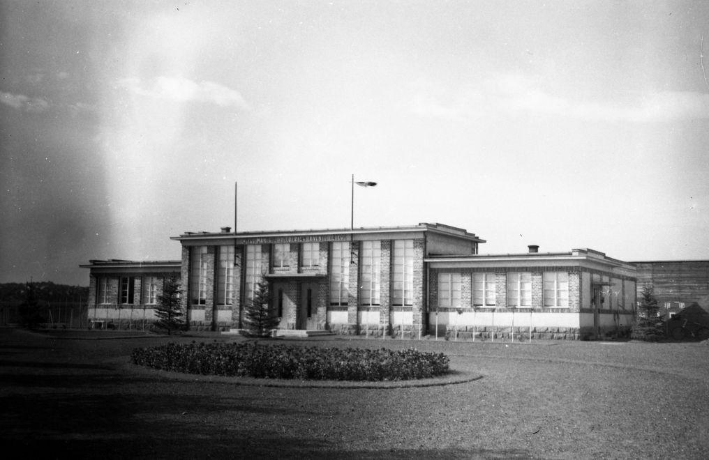 CsepeliLeventeLoter-1941Korul-fortepan.hu-174387
