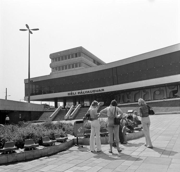 DeliPalyaudvar-1976Korul-fortepan.hu-170844