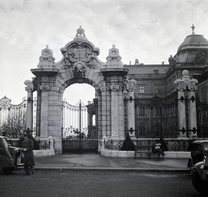 HabsburgKapu-1936Korul-fortepan.hu-146130