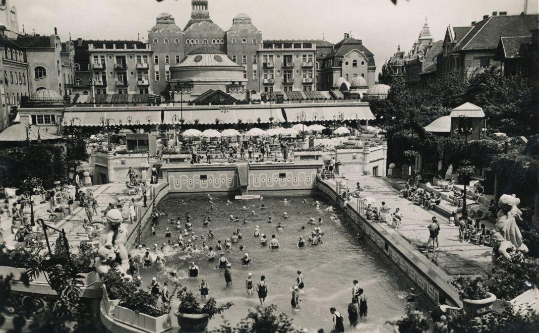 GellertFurdo-1938Korul-fortepan.hu-158319