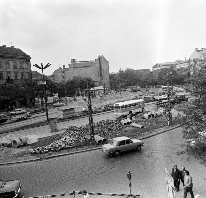 KalvinTer-1974Korul-fortepan.hu-170716
