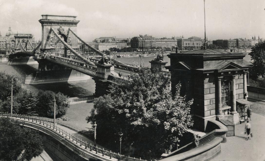 Lanchid-1938Korul-fortepan.hu-158314