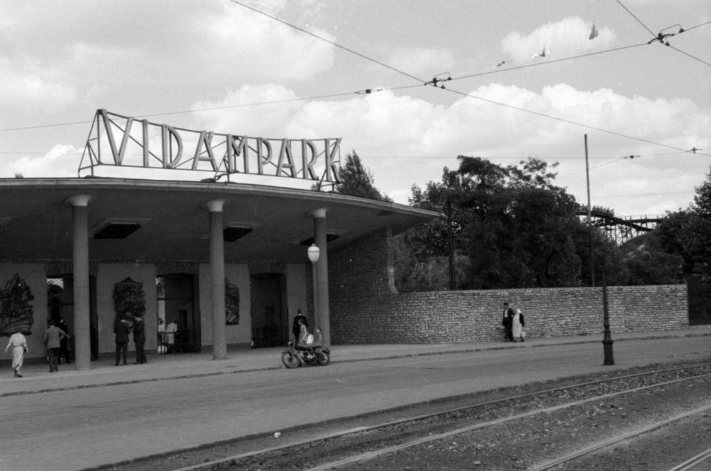 Vidampark-1958Korul-fortepan.hu-171288