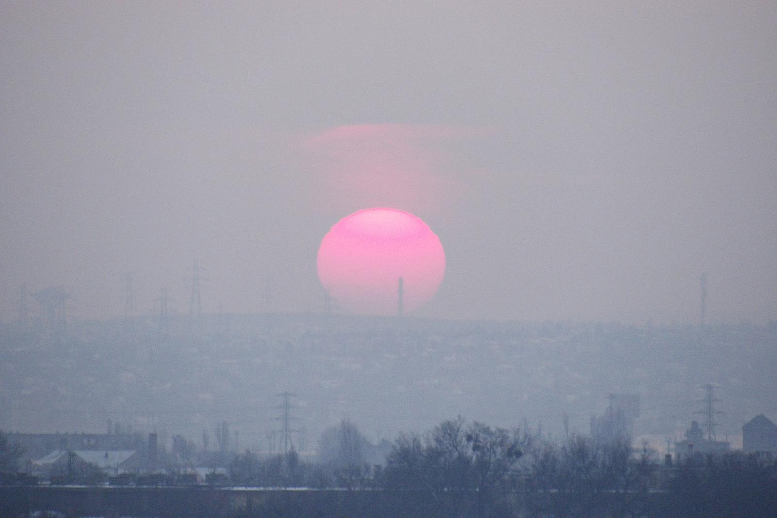 Ködös naplemente