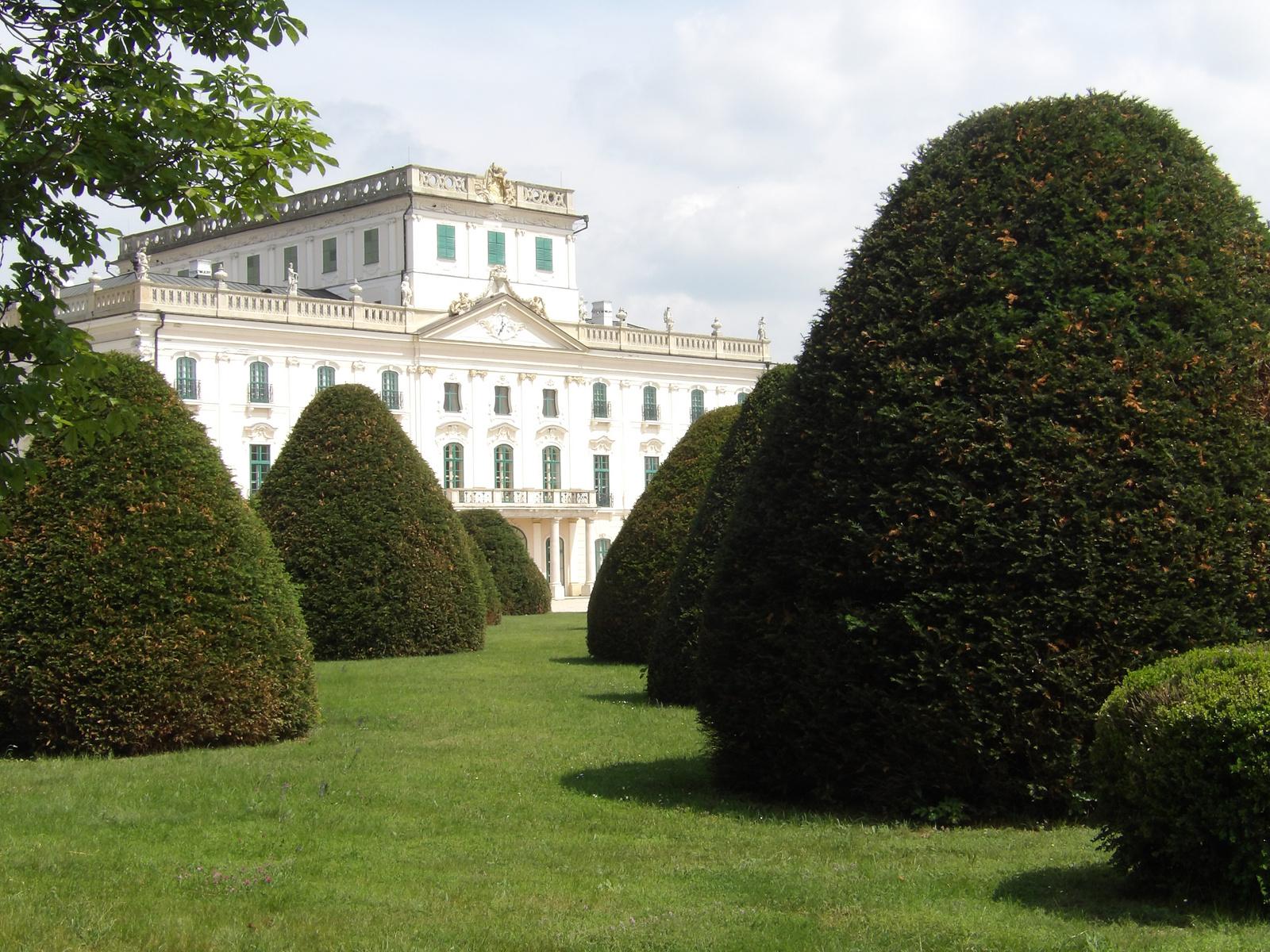 esterházy kastély parkja