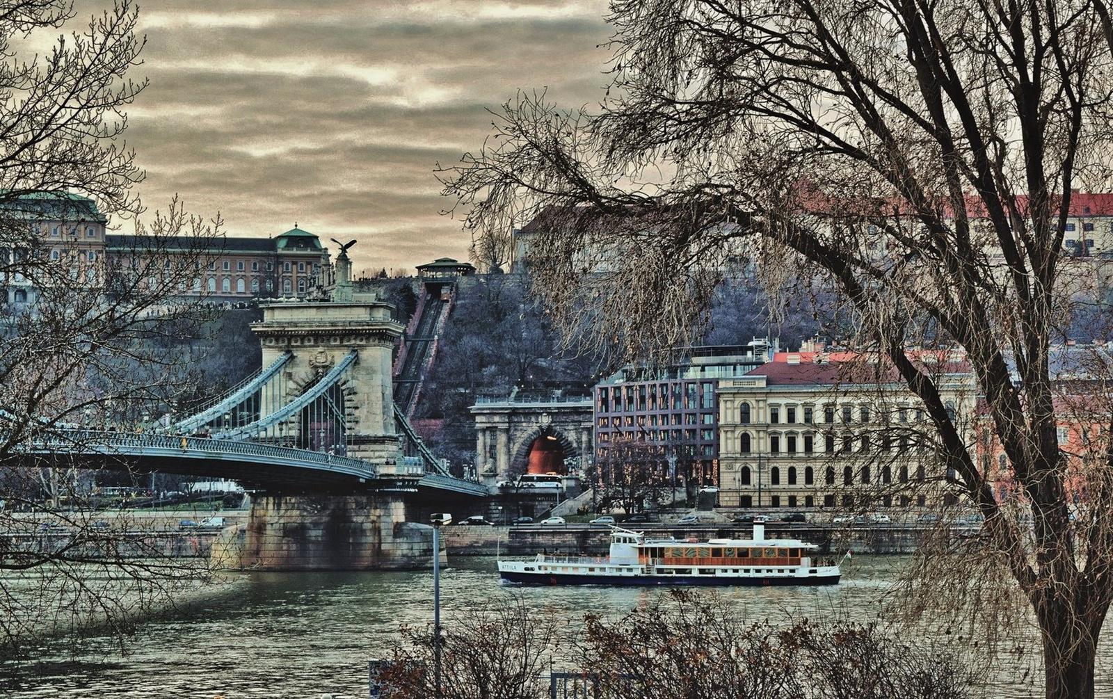 Duna-parti panoráma