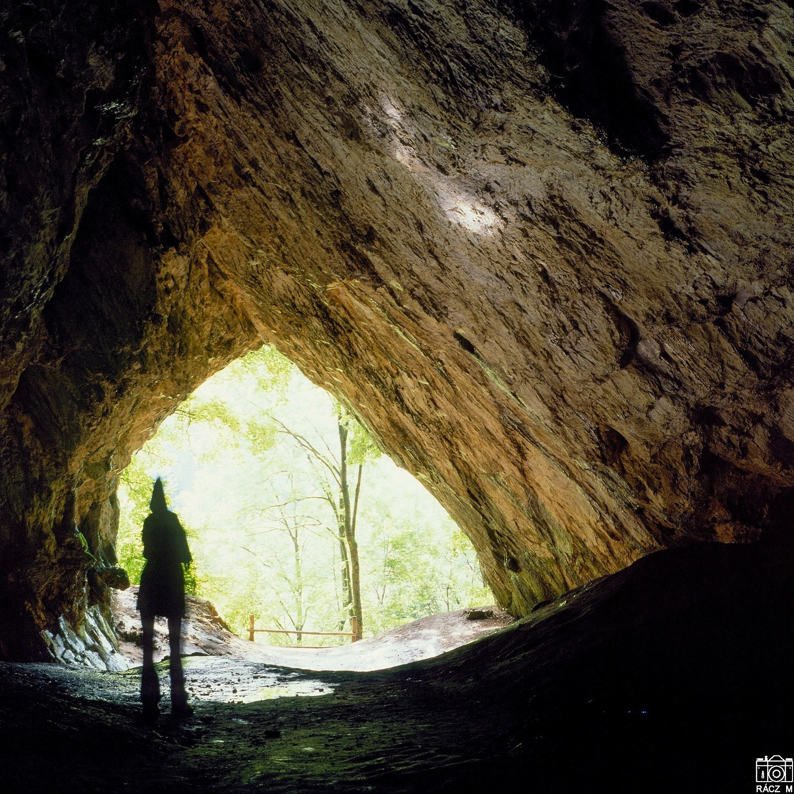 az Istállóskői barlangban