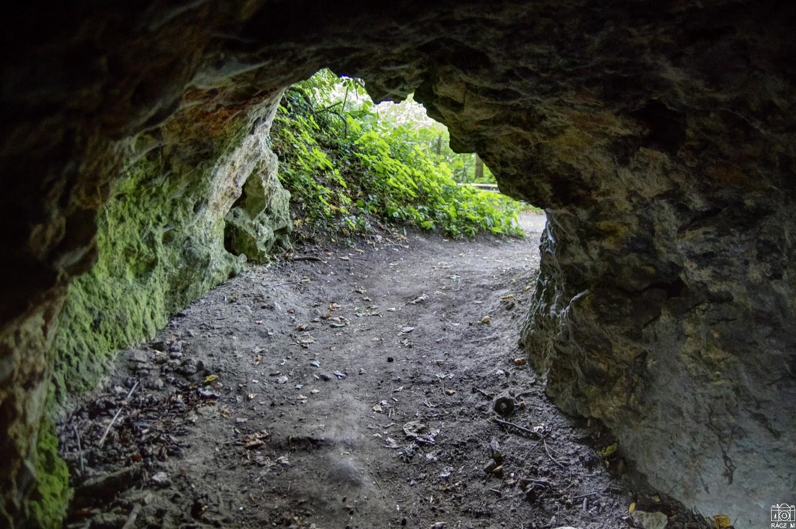 az Átjáró-barlang bejárata