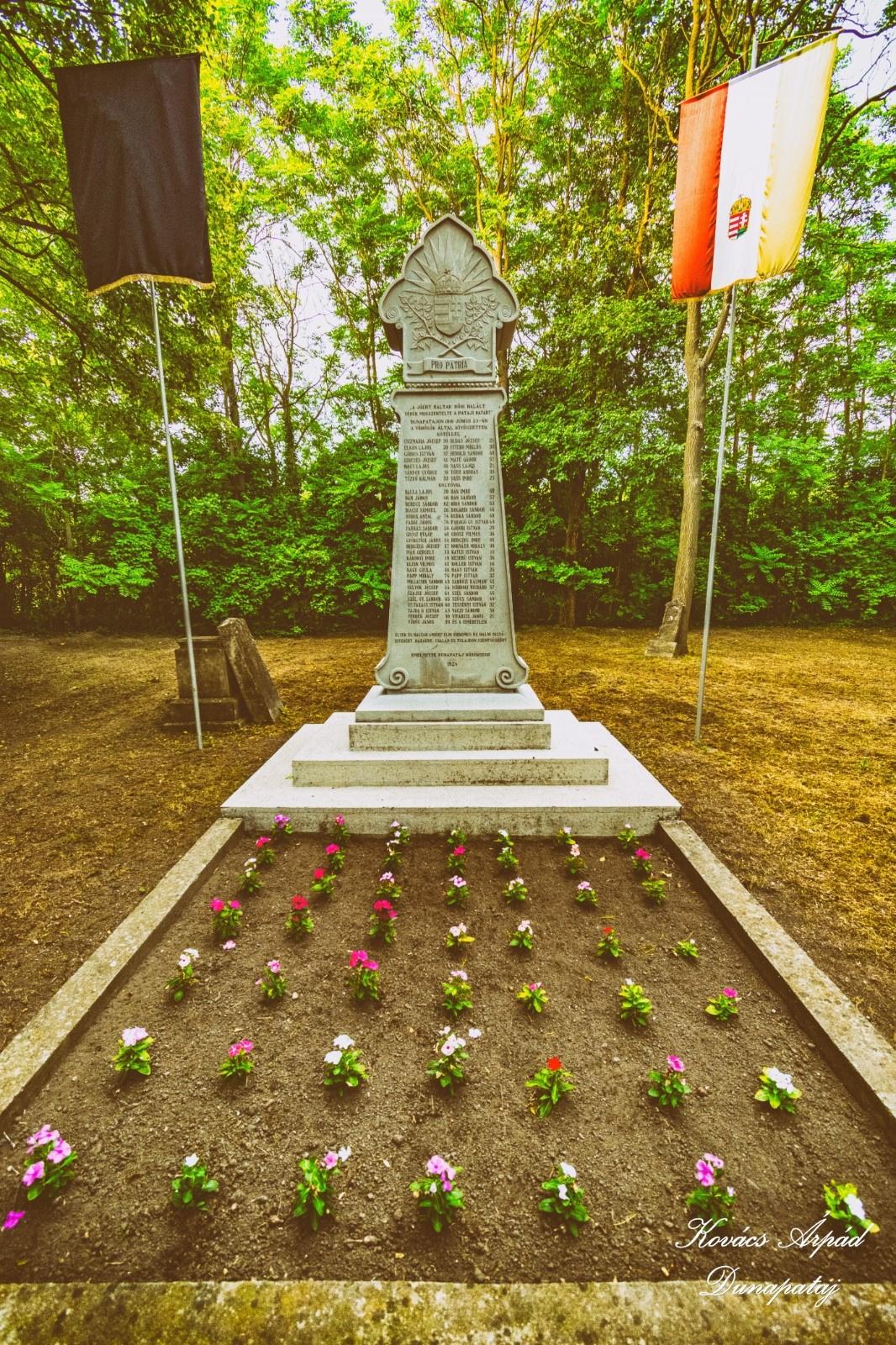 1919-es emlékmű a közös temetőben