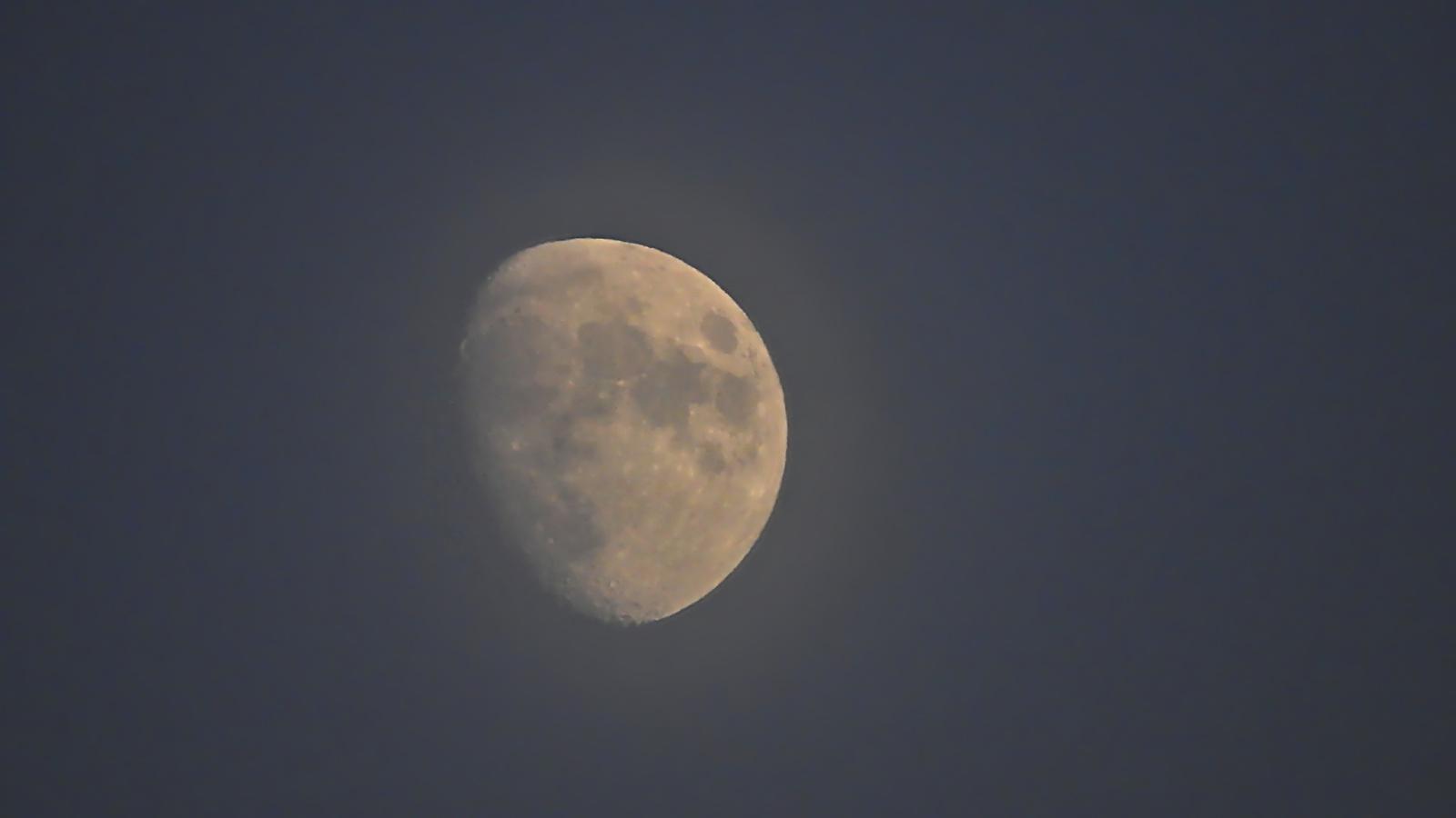 A Hold a téli napforduló napján. A csillagászati tél kezdete