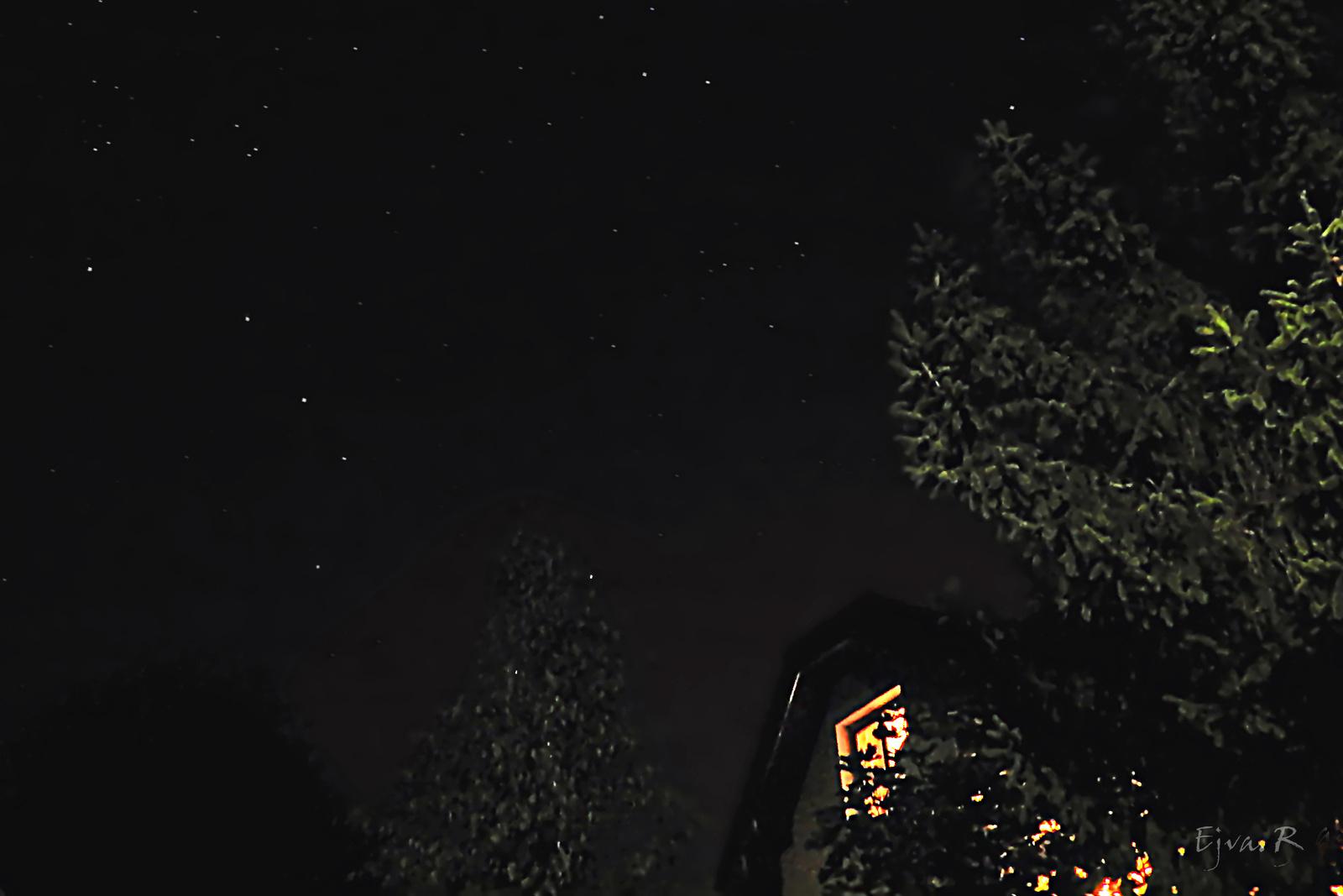 Csillagok a házak felett