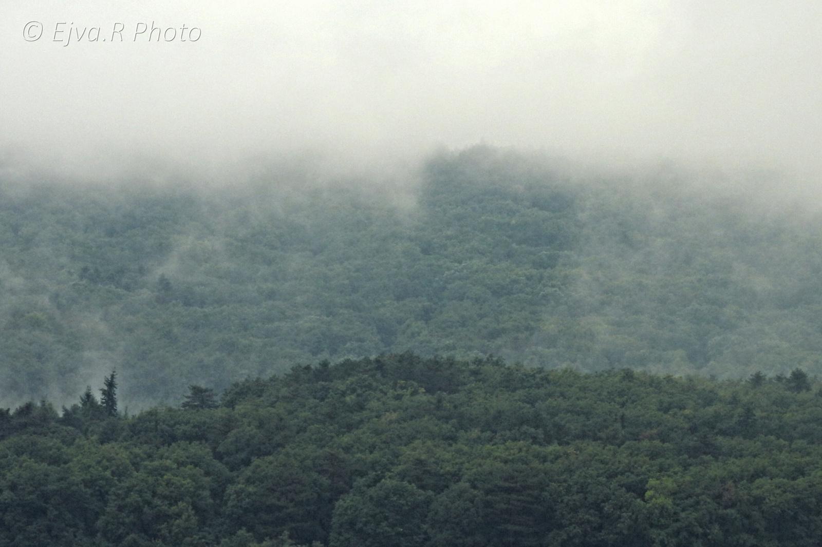 Esős Ködös Felhős