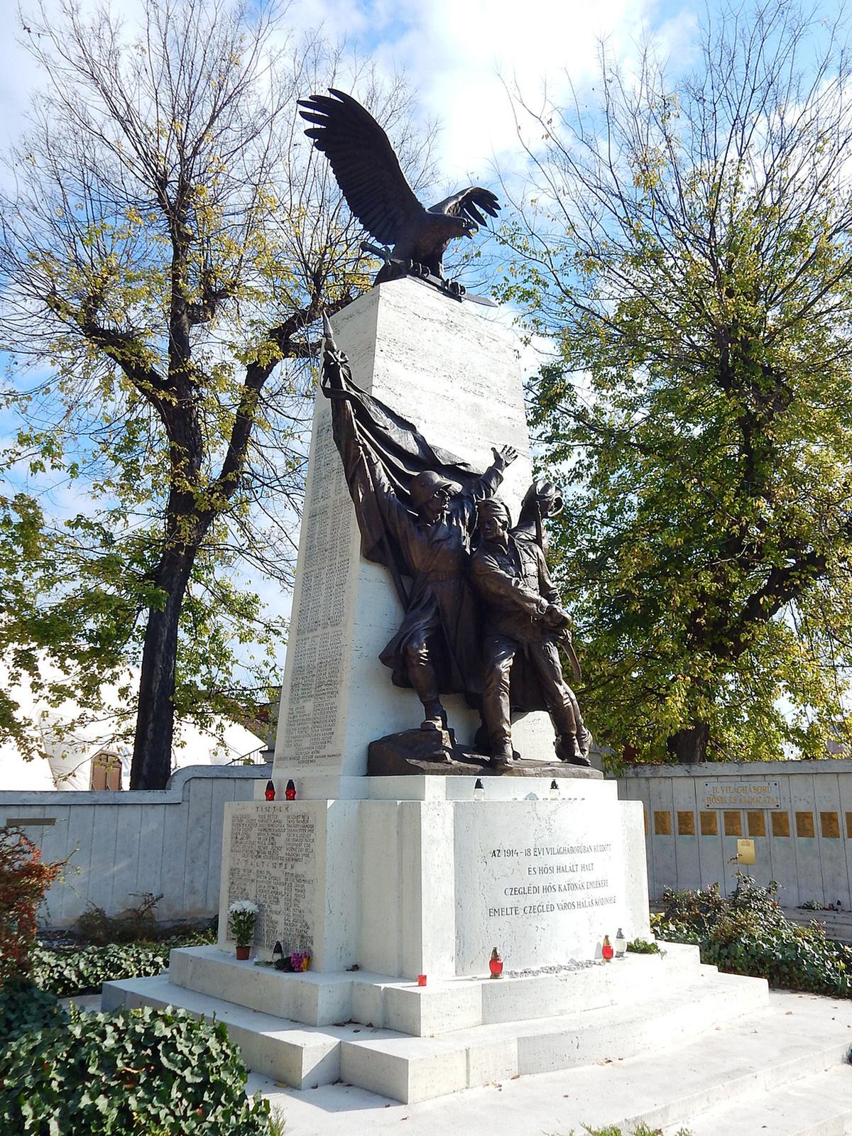 Cegléd, I. és II. világháborús emlékmű