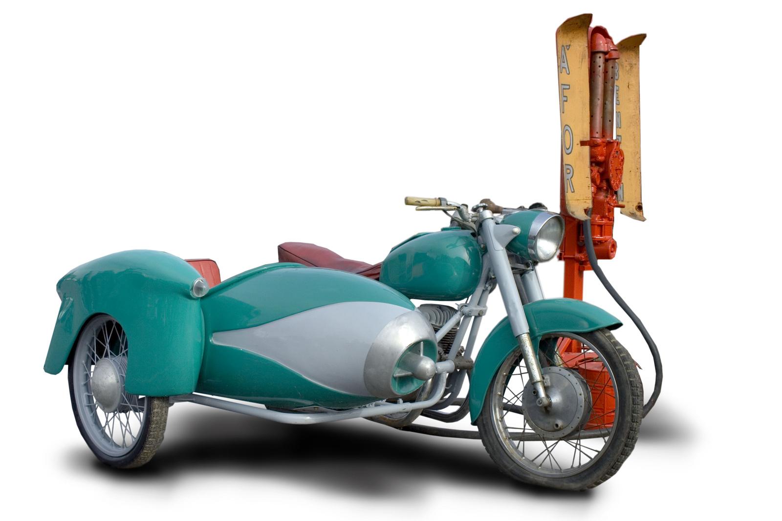 Pannónia hejreállított oldalkocsis motorkerékpár korabeli ÁFOR b