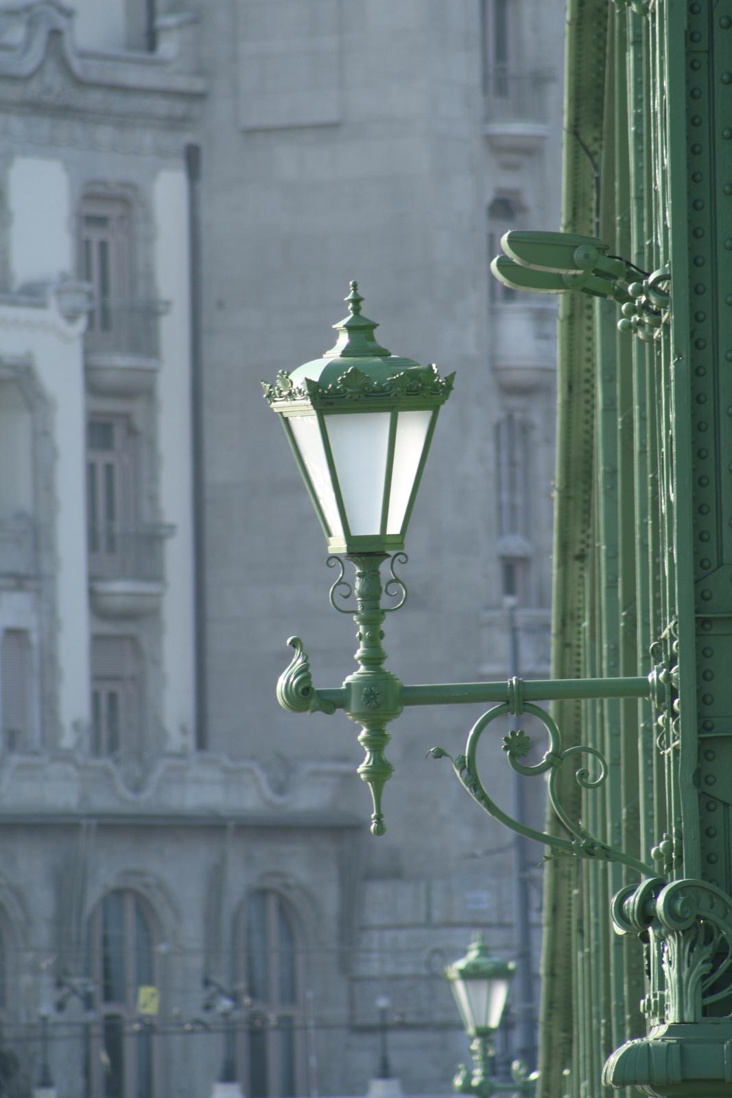 Lámpás...(mennyivel szebb a régi)