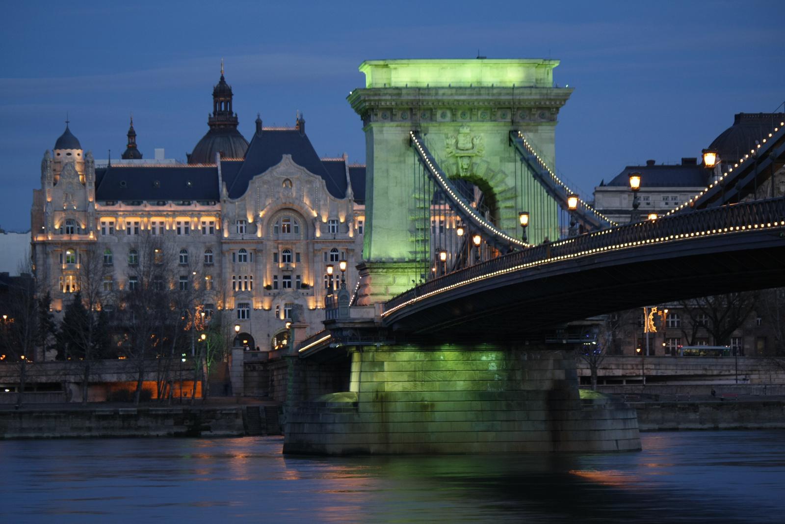 Híd a Greshambe - balról