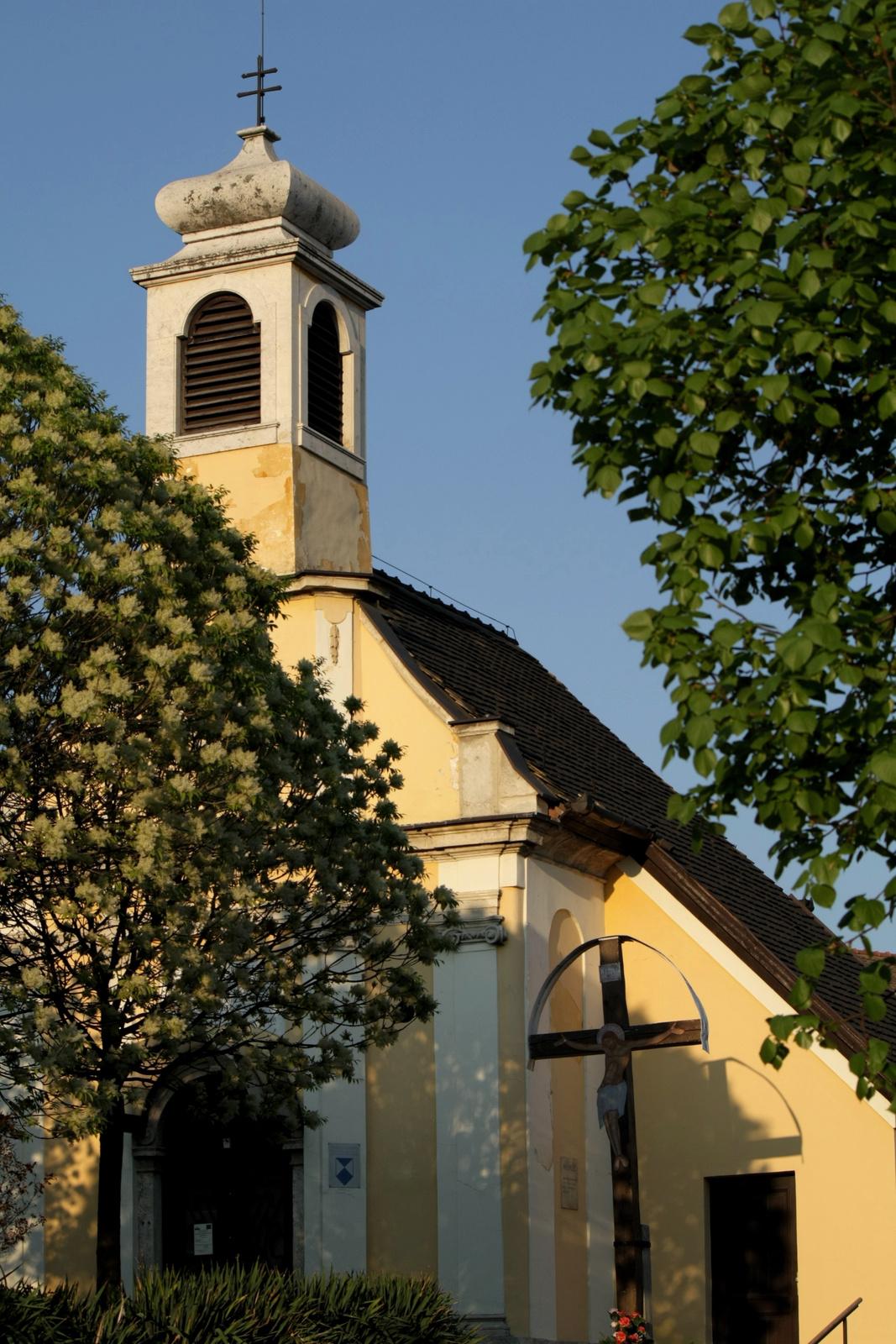 Kápolna átlósan