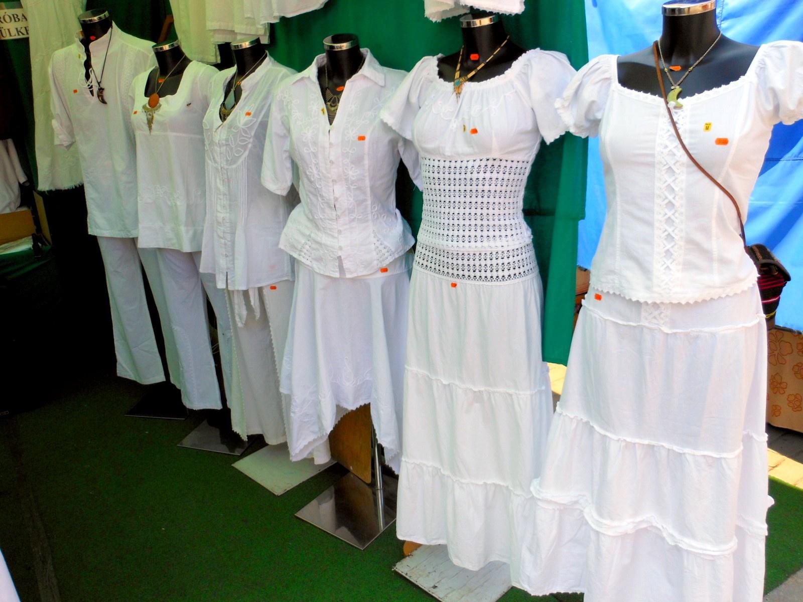 Himzett ruhák