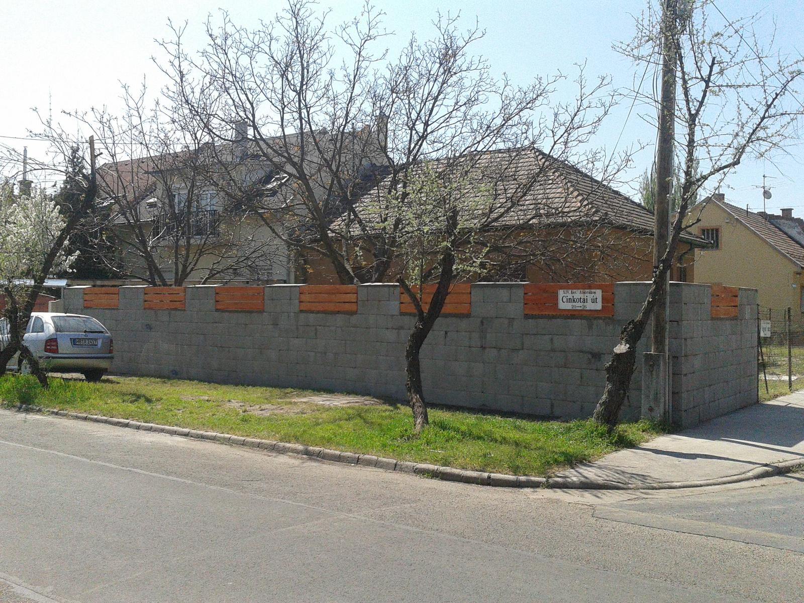Viktor: Lopják/eladják a járdát és a közterületet Zuglóban