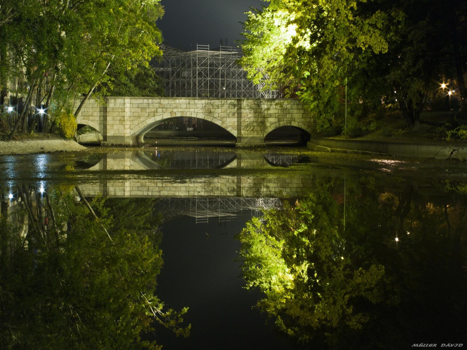 Csak egy híd