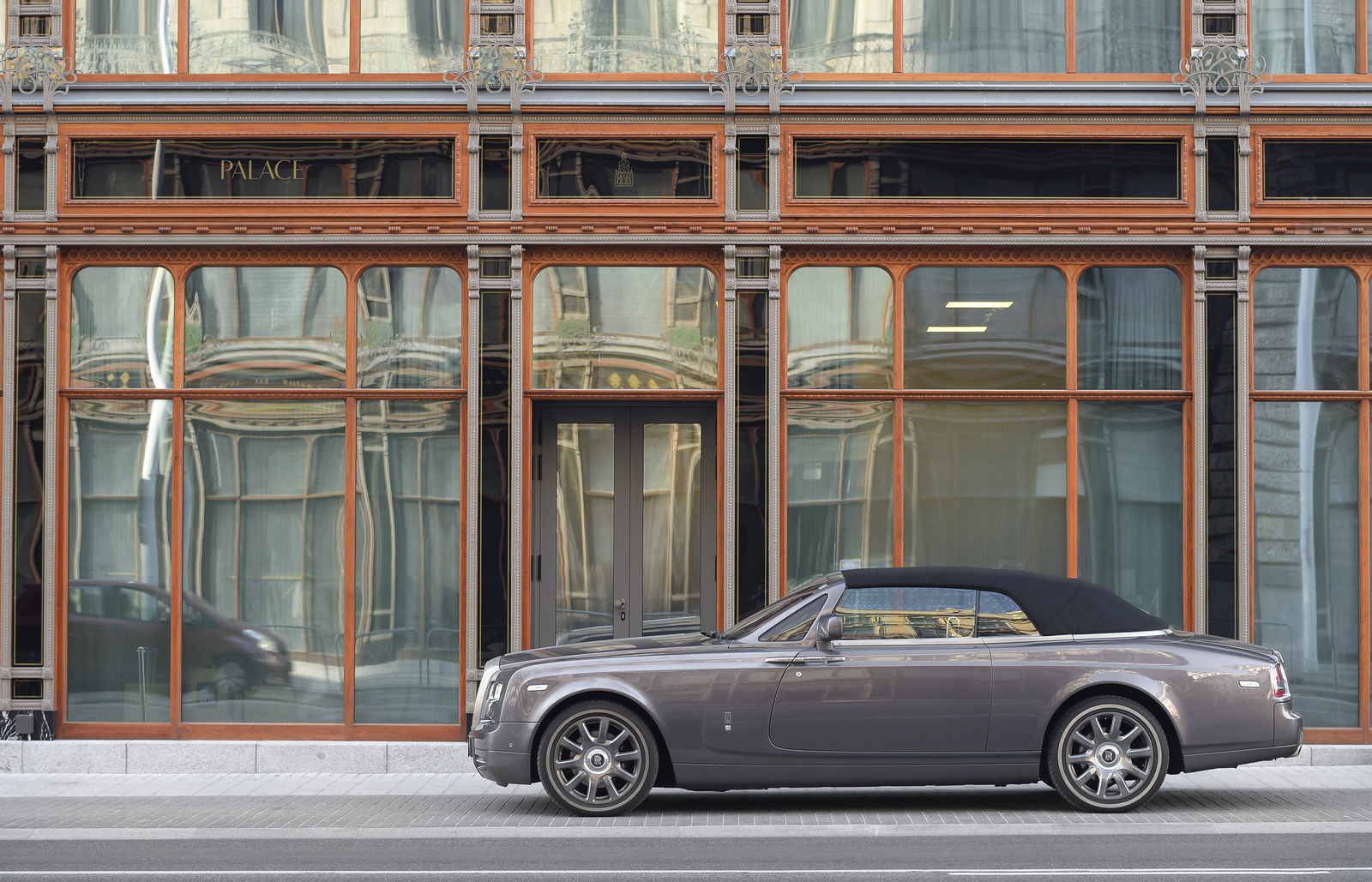 Rolls-Royce Phantom DHC Series II