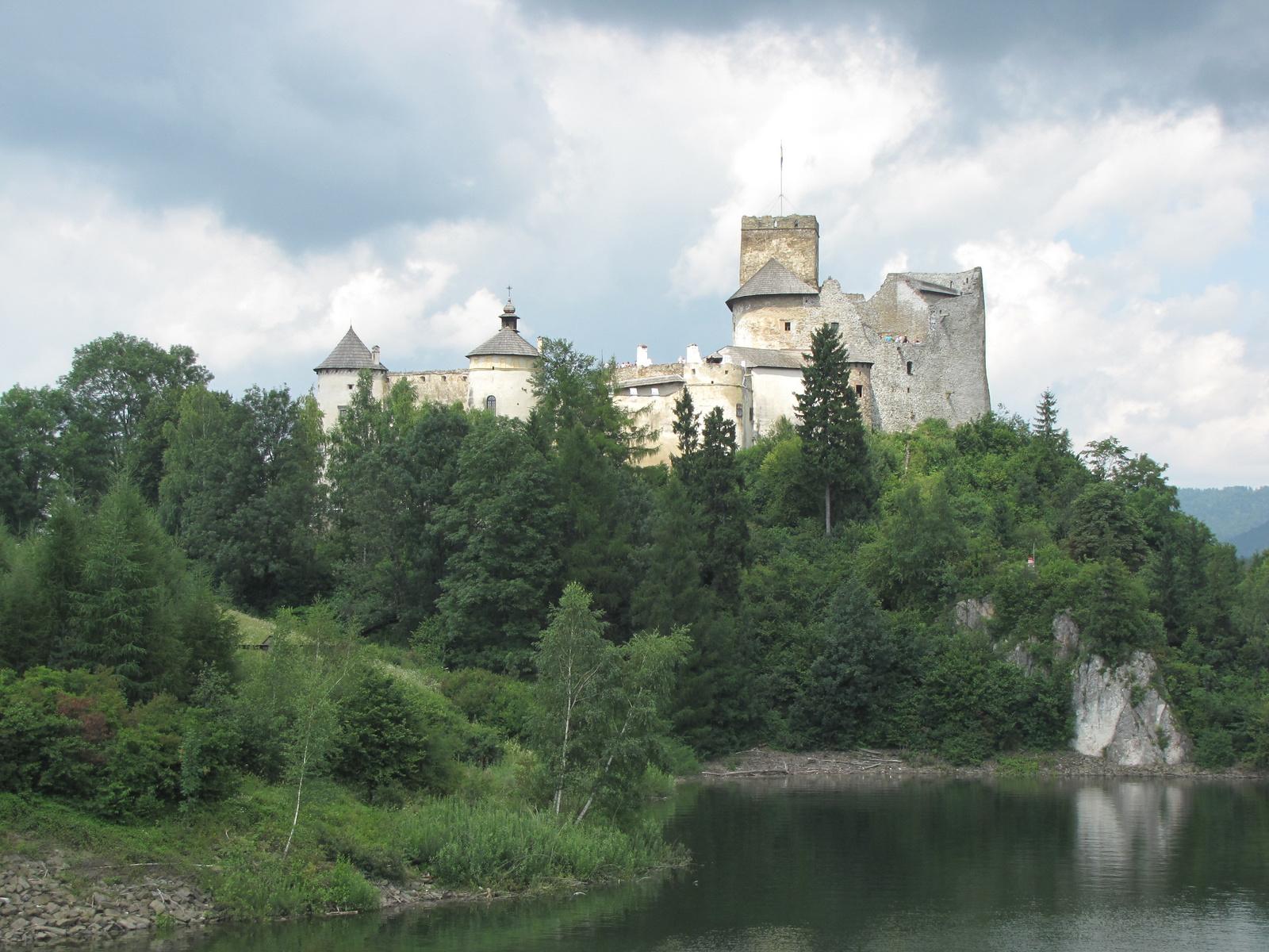 mesterséges tó a Dunajecen, Nedec vára, SzG3