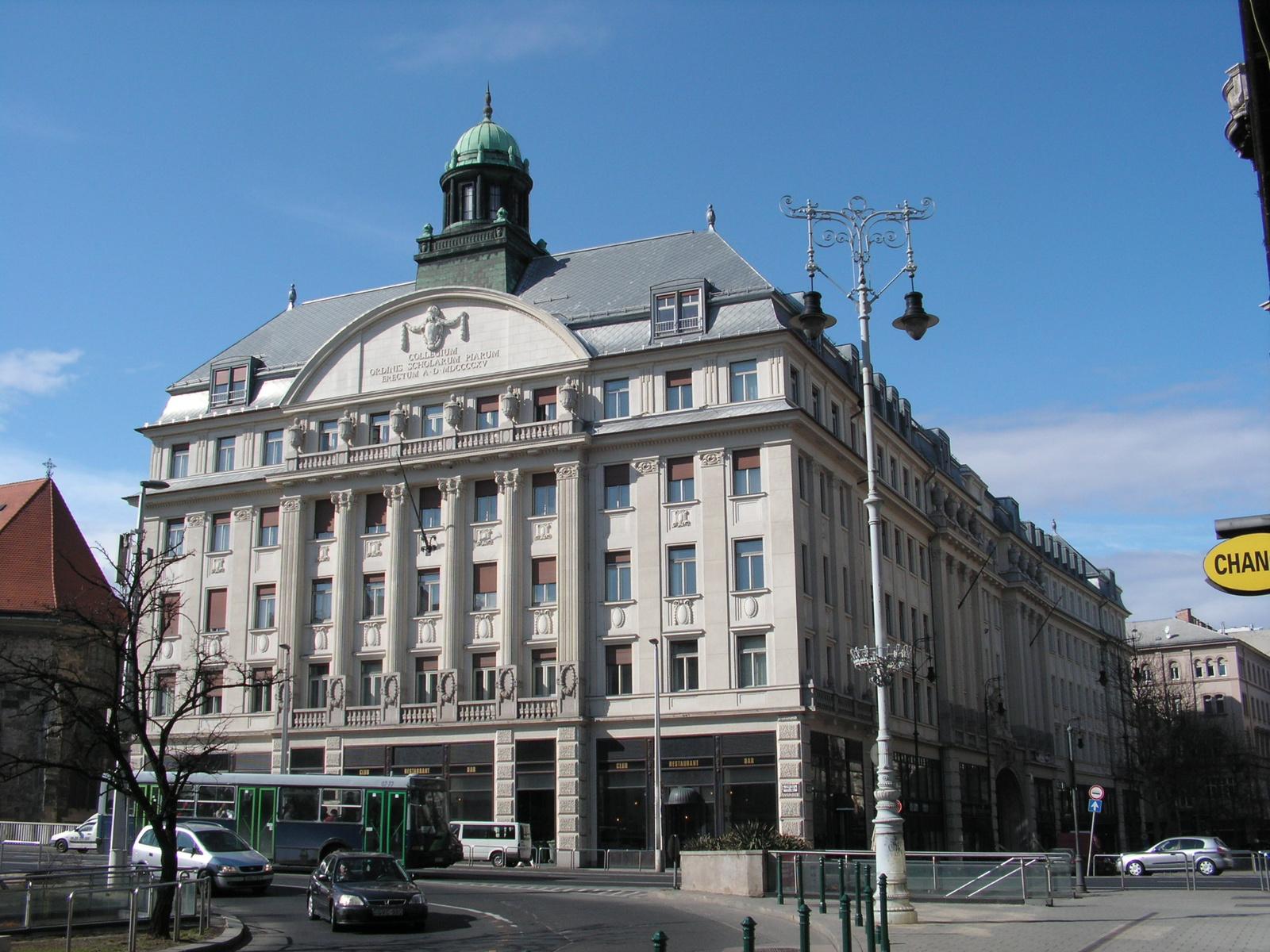 Budapest, a Piarista tömb, SzG3