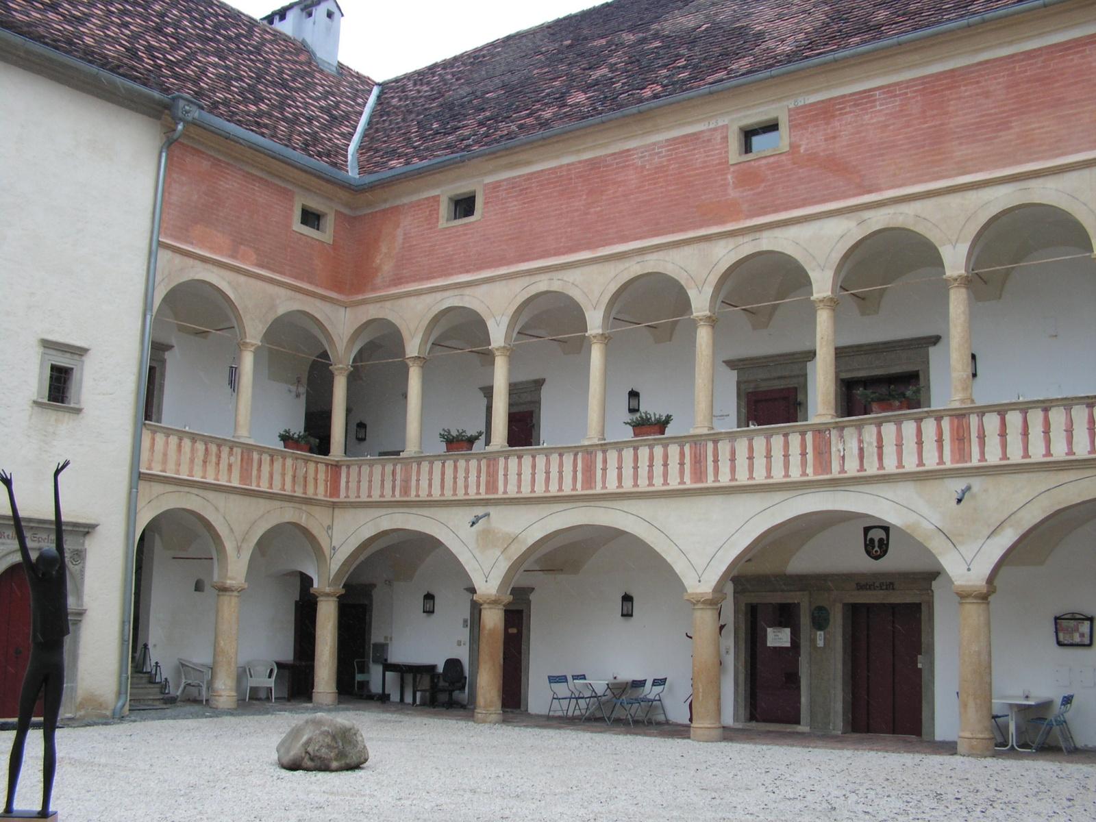 Stubenberg am See, Hotel Schloß Stubenberg, SzG3