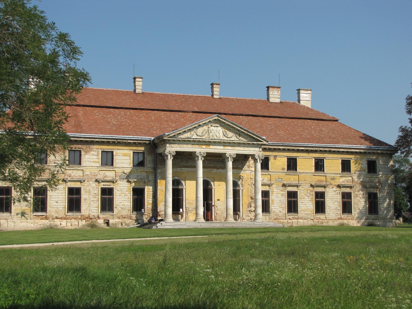 Magyarország, Lovasberény, a Cziráky kastély, SzG3