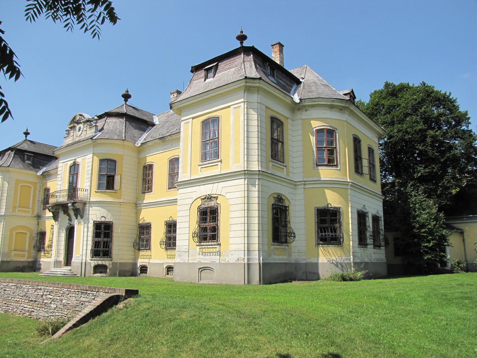 Magyarország, Mór, a Lamberg kastély, SzG3