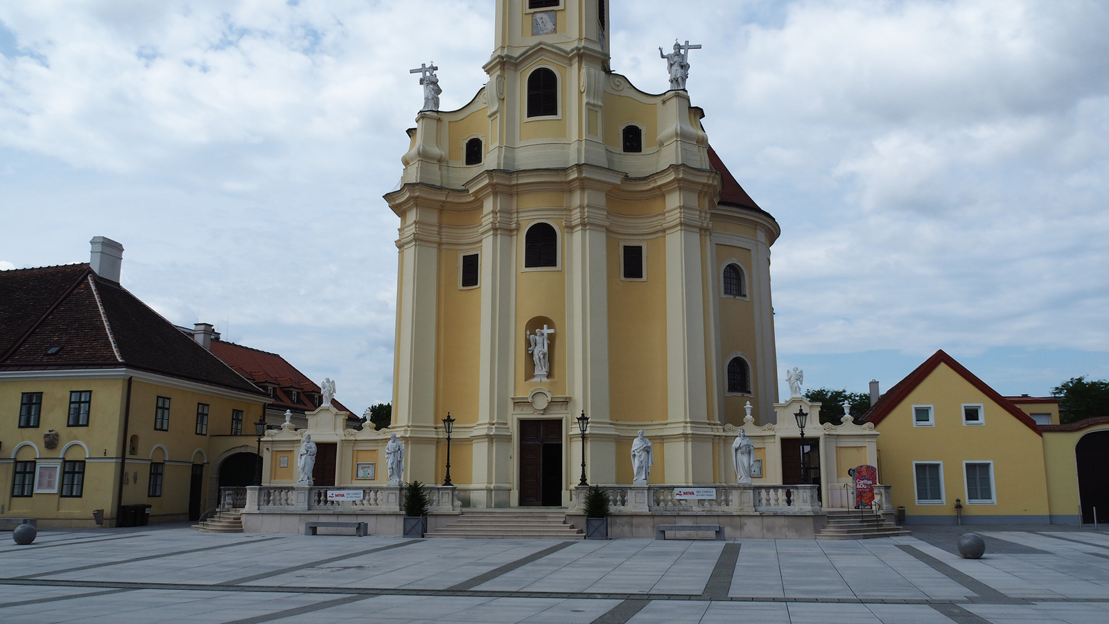 Laxenburg, Pfarrkirche, SzG3