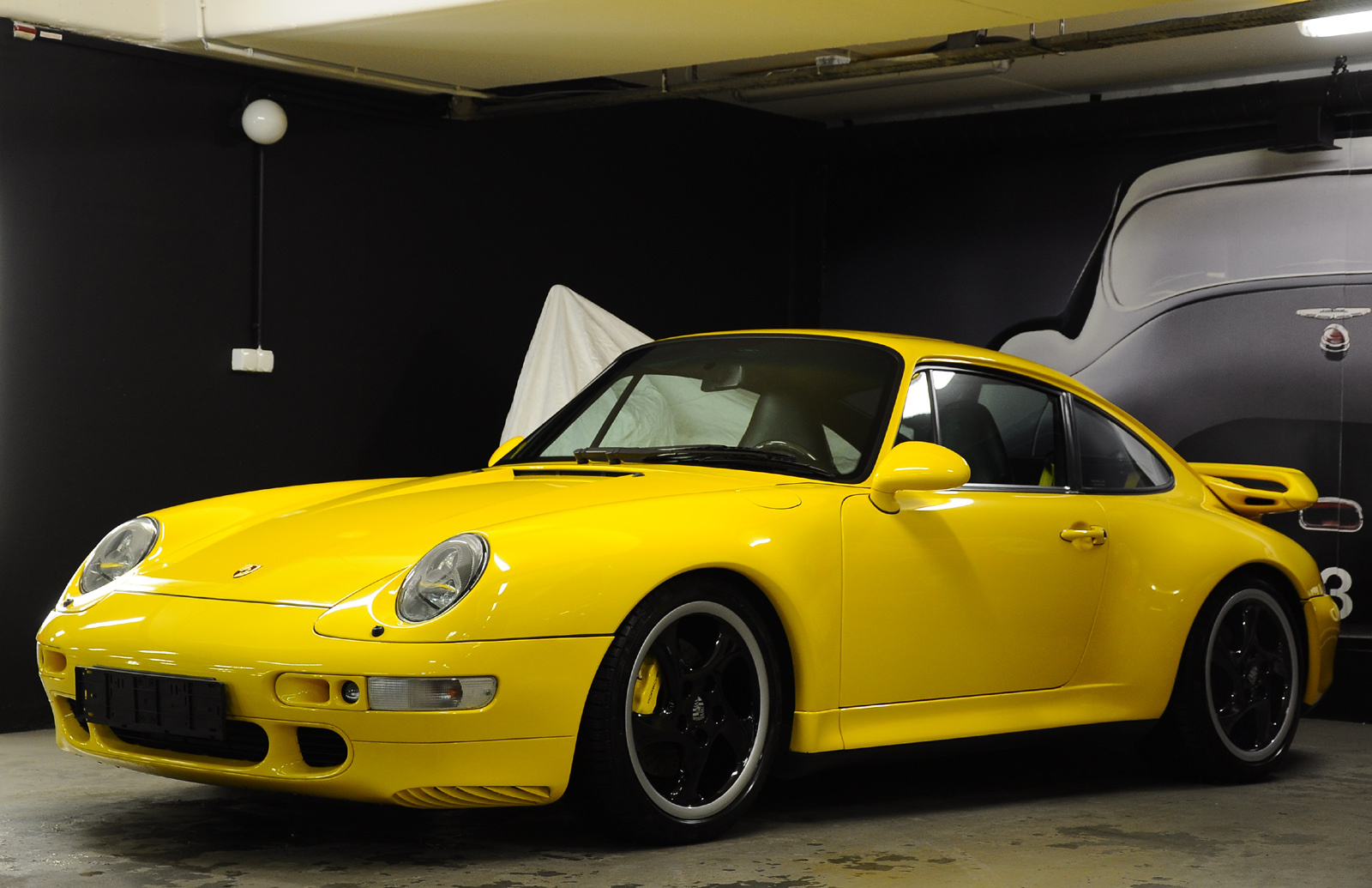 TechArt Porsche 911 (993) Carrera 4S