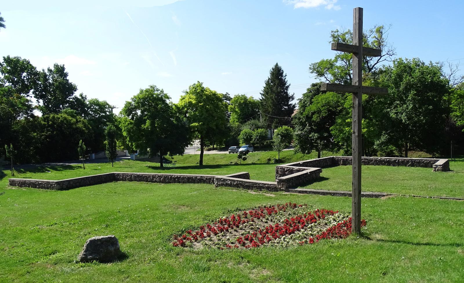 Zsámbék - 4-emlékpark trianon