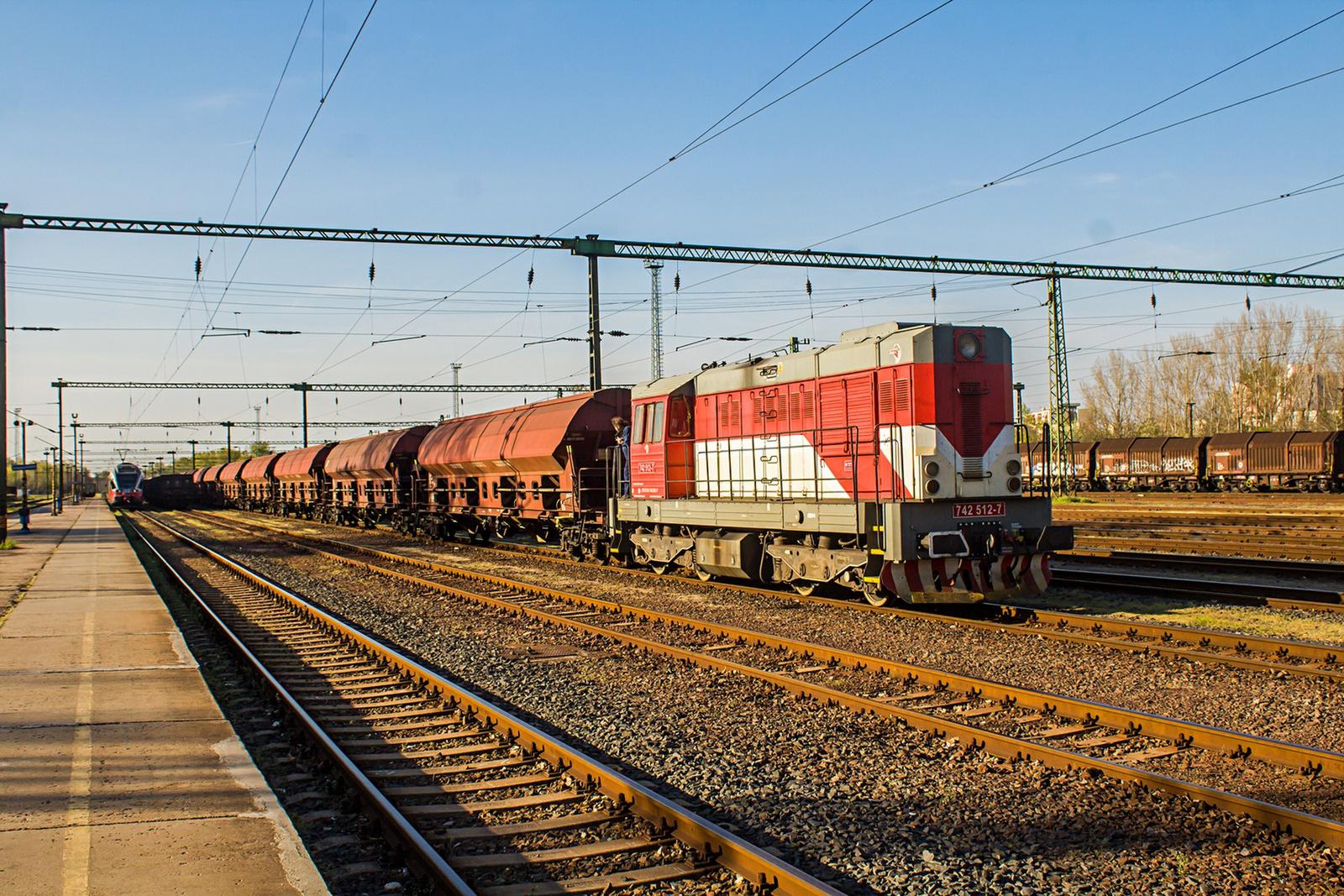 742 512 Dunaújváros (2021.04.24).