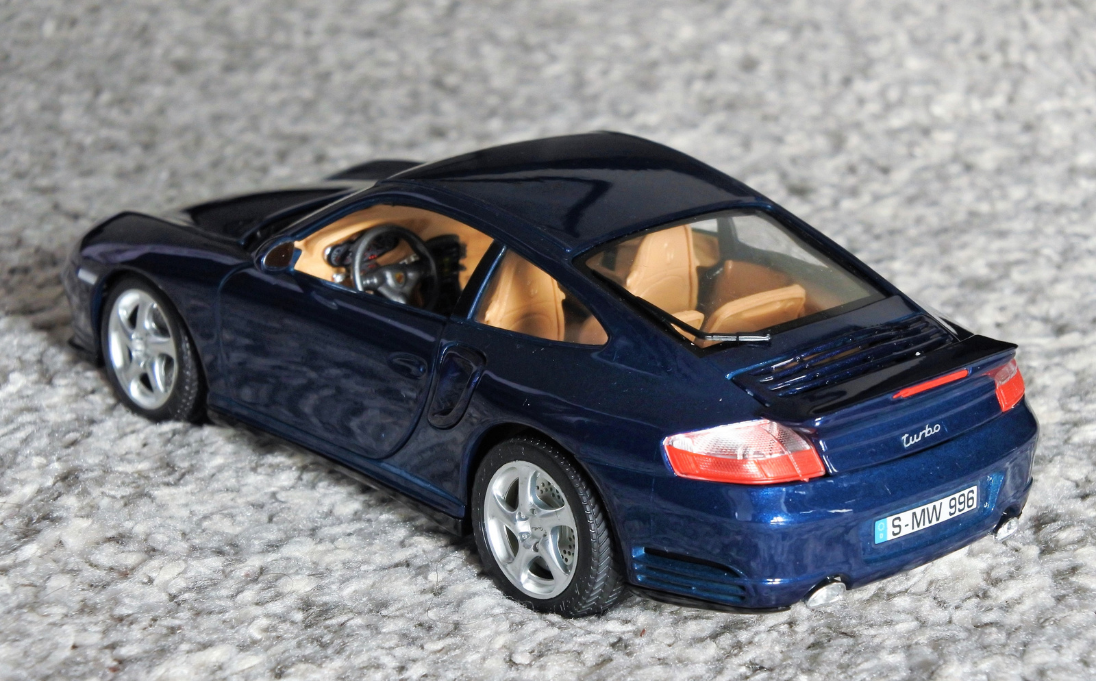 Porsche 911 Turbo 1:18