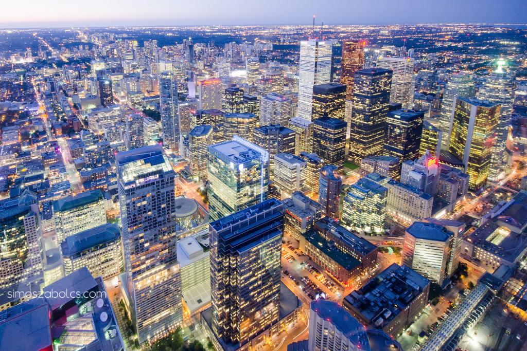 Kilátás a CN Towerből a belvárosra